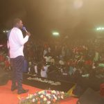 Prophet Magaya pays fees for 500 pupils