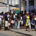 Bond notes flood  Mozambique market as cash shortages hit Zimbabwe