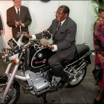 Now Mugabe says Harare stinks