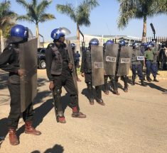 Zimbabwe Police, Soldiers Seal Bulawayo as MDC Challenges Protest Ban