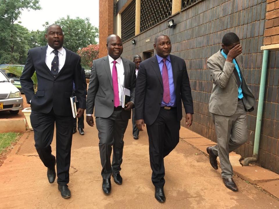 Supa Mandiwanzira arriving at Rotten Row Courts this morning