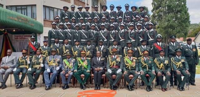 ZIMBABWE-ARMY-WITH-MNANGAGWA