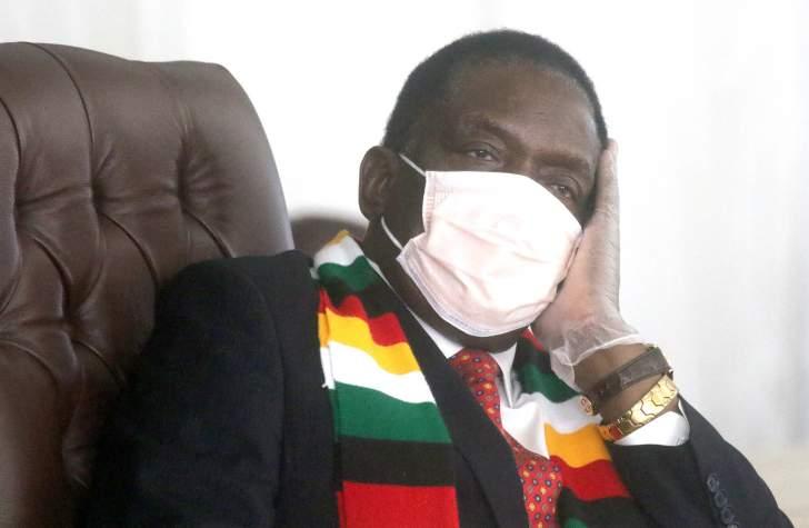 mnangagwa_gloves_isihlathi_mask