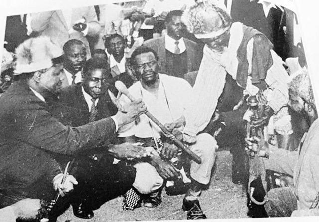 Mugabe_with_nanga