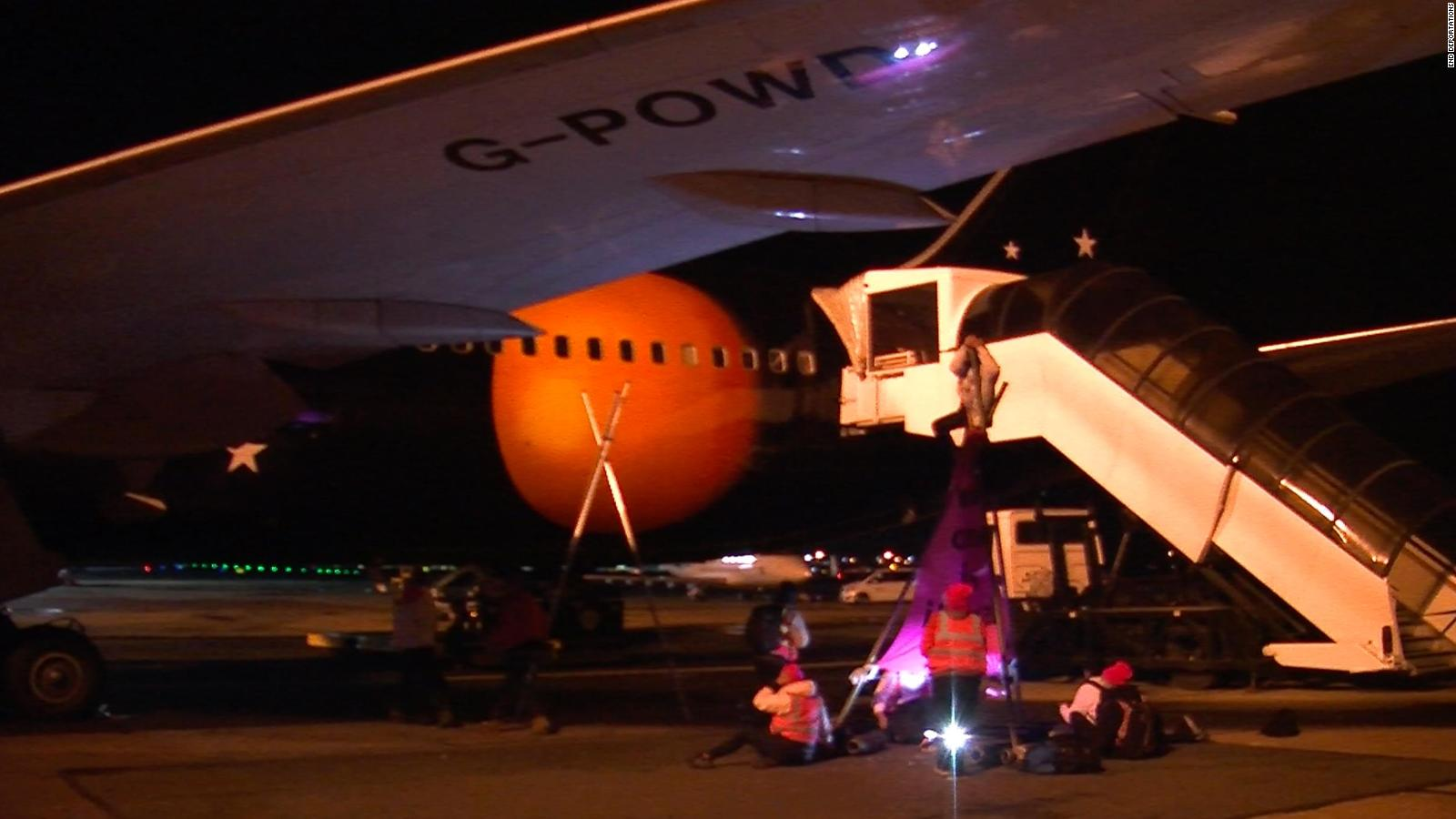 190206114859-06-stansted-15-protest-full-169