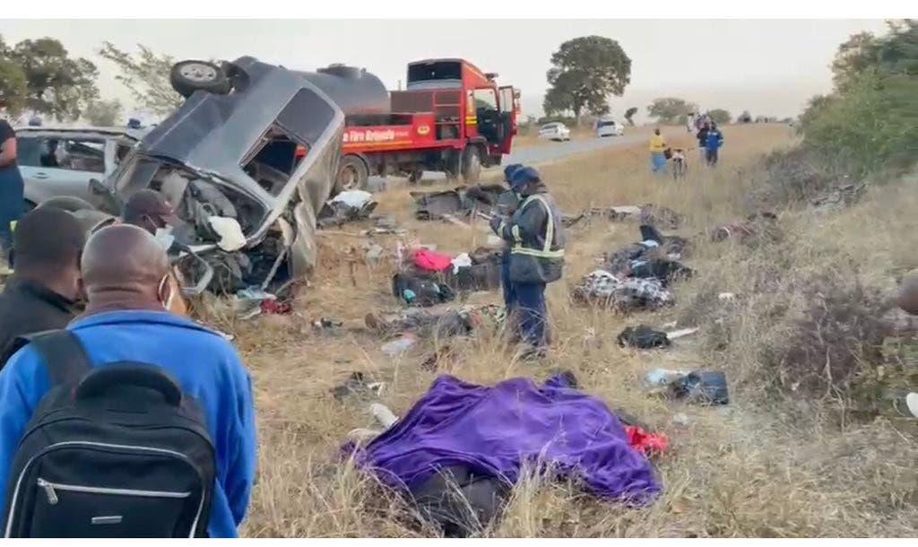 Masvingo-Zvishavane-Accident-Head-On-Collision-Horror-Crash-002