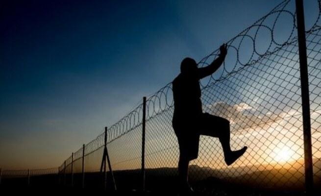 prison-escape-night